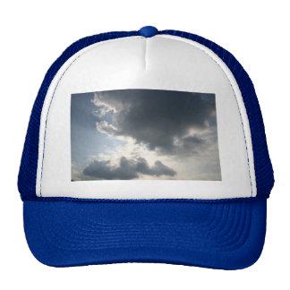 Sun shining through the clouds mesh hat