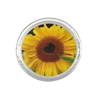 Sunflower heart ring