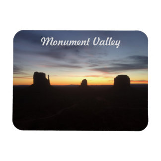 Sunrise in Monument Valley Magnet