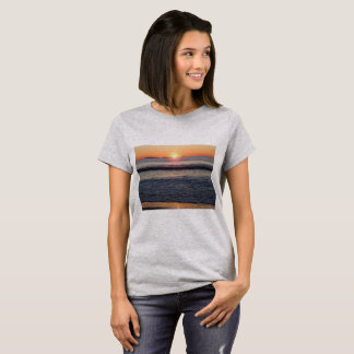 sunrise on the ocean T-Shirt