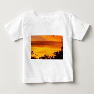SUNSET IN RURAL QUEENSLAND AUSTRALIA TEE SHIRT