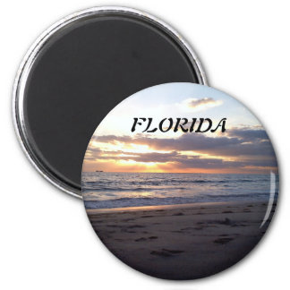 SUNSET ON THE GULF 6 CM ROUND MAGNET