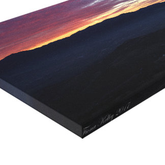 Sunset over the Mountains in Southern Oregon Canvas Print