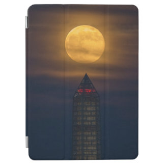 Supermoon Over Washington Monument iPad Air Cover