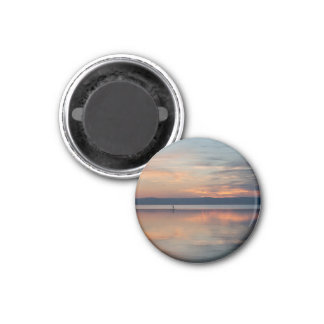 Surfer rowing to shore 3 cm round magnet