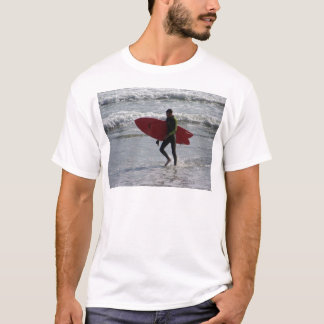 Surfer with surf board with waves T-Shirt