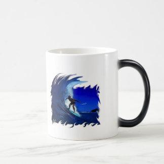Surfs up! morphing mug