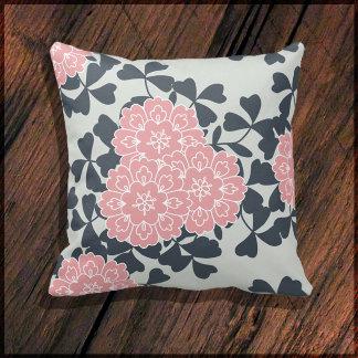 Pillow: Color