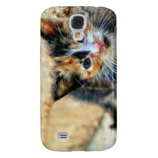 Sweet Kitten looking at YOU Galaxy S4 Cover
