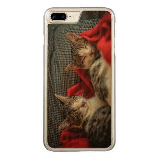 Sweet Sleeping Kitties Carved iPhone 8 Plus/7 Plus Case