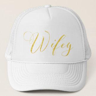 SWILRING GOLD SCRIPT WIFEY IN BLACK TRUCKER HAT