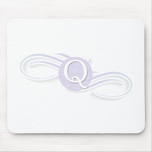 Swirl Monogram Q