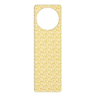 Swirly Love Hearts Golden Door Hanger