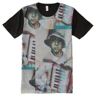 T-shirt man, Accordion