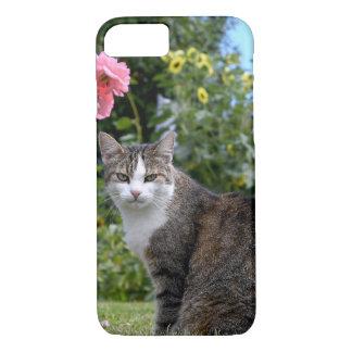 tabby cat in yard iPhone 8/7 case