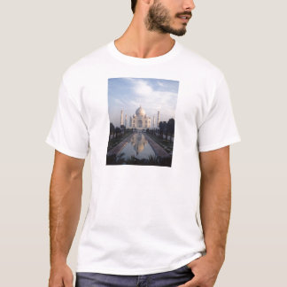 Taj Mahal Reflection in Agra, Uttar Pradesh, India T-Shirt
