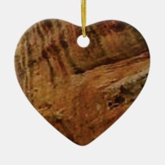 tan vertical sandstone lines ceramic ornament