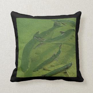 Tarpon in the sun - throw pillows