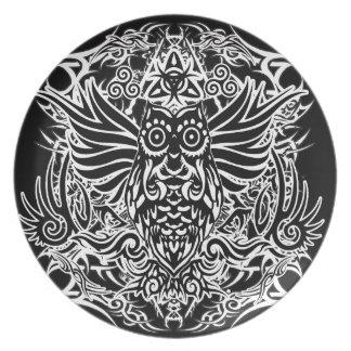 Tattoo tribal owl plate
