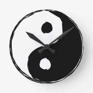 tau round clock