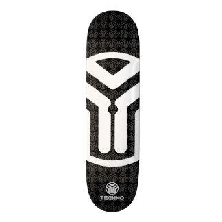 Techno Streetwear - Logo - Skateboard