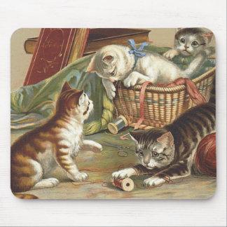 TEE Curious Cat Mousepads