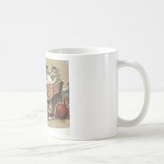 TEE Curious Cat Mug