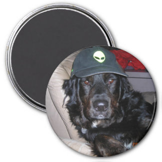 TESLA THE ALIEN DOG 7.5 CM ROUND MAGNET