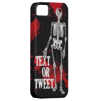 TEXT OR TWEET SKELETON iPhone 5 COVER