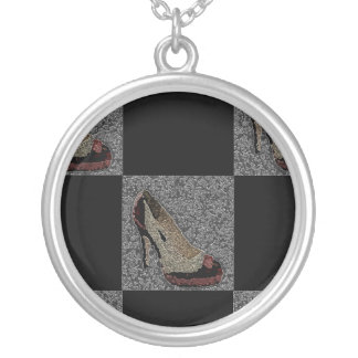 Textured High Heels Round Pendant Necklace