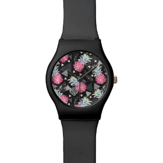 Textured Triangle Pineapple Pattern Watch