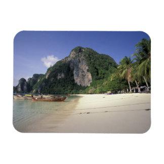 Thailand, Andaman Sea, Ko Phi Phi Island, Beach Magnet