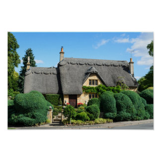 Thatched roof cottage in Chipping Campden poster
