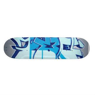 the black broad skate board