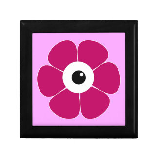 the eye of the pink flower gift box
