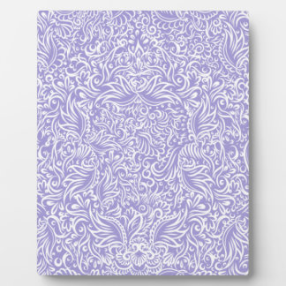 The flowing vines of Lilac Plaque