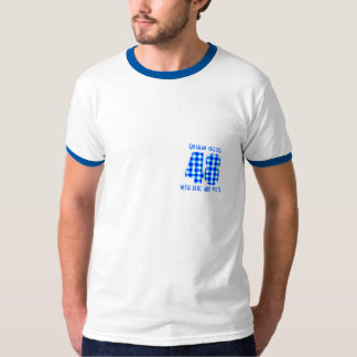 The gingham check of 48 with blue and white t-shirts
