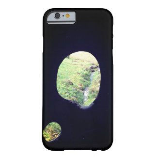 The green which is visible from the hole barely there iPhone 6 case