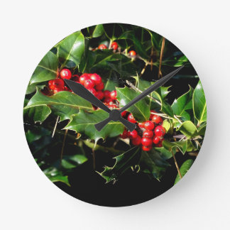 The Holly And The Ivy Round Clock