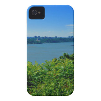 The Hudson River with NYC iPhone 4 Case-Mate Cases