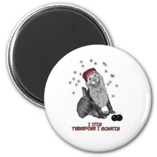 The Itching doG at Christmas 6 Cm Round Magnet