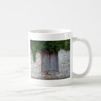 THE IVY DOOR COFFEE MUG