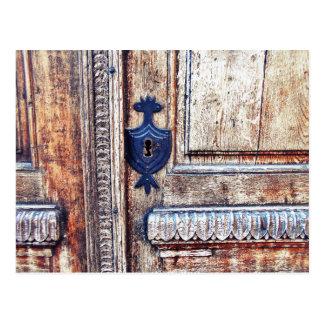 The Keyhole Ornament Postcard