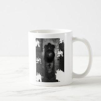 The knob basic white mug