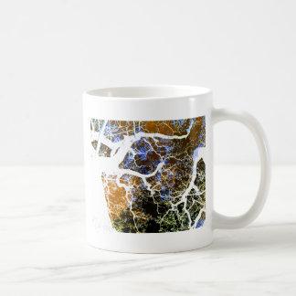 THE LIGHTNING TREE 2 COFFEE MUG