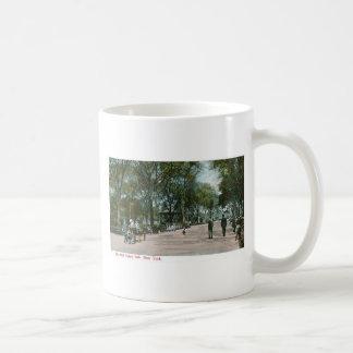 The Mall Central Park, New York Basic White Mug