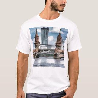 The Oberbaum Bridge, BERLIN T-Shirt