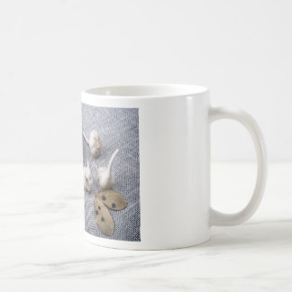 The old saucer, garlic and spices coffee mug
