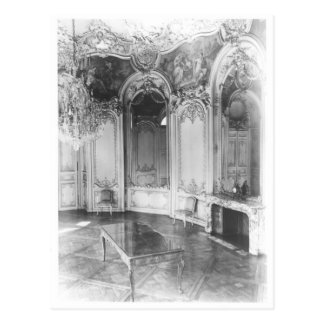 The Oval Salon decorated with the story of Postcard