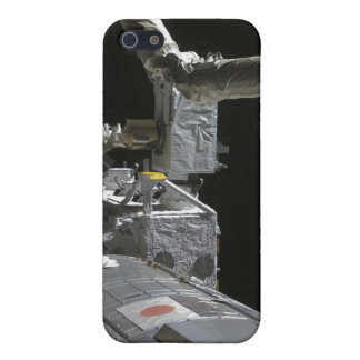 The robotic arm of the Japanese Experiment Modu iPhone 5/5S Cover